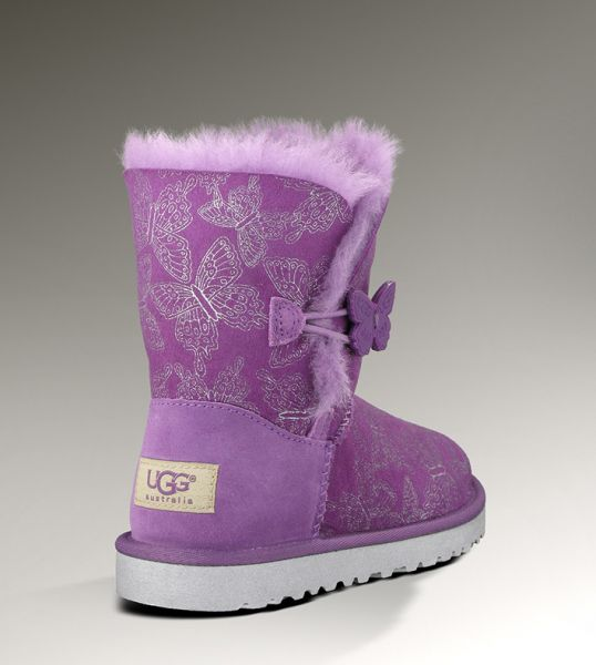 UGG BAILEY BUTTON BUTTERFLY金属蝴蝶图案皮毛一体小童雪地靴